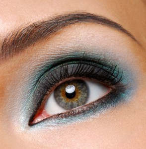 1118-crease-eye-shadow_bd-294x300 Colorblocking is hot!