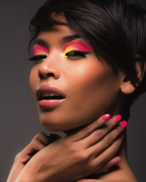 hot-pink-yellow-eyeshadow Colorblocking is hot!