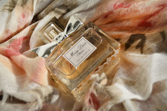 Sjaal_dior Miss Dior Chérie Eau De Parfum