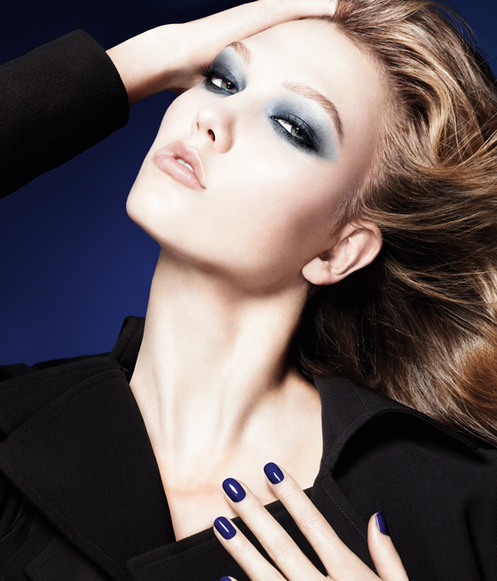 Dior-New-Fall-Look-2011-Visual Dior Blue Tie herfstcollectie 2011