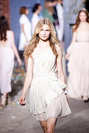 644_medium AVEDA show de nieuwe haarstijlen  SPRING/SUMMER 2012 in de New York Fashion Week