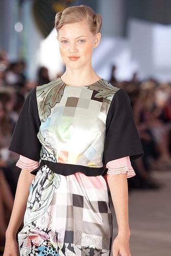 684 AVEDA show de nieuwe haarstijlen  SPRING/SUMMER 2012 in de New York Fashion Week