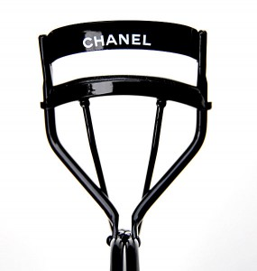 Chanel_wimperkruller-285x300 Musthave: Chanel Wimperkruller