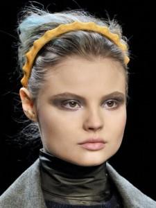 Fendi-a-w-2011_reference-225x300 Trend Kapsels herfst 2011: de haarband!