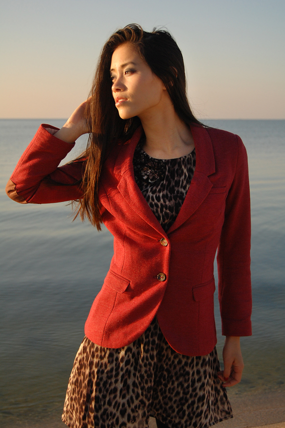 Beach-MY-HUONG Look of today: The red panther