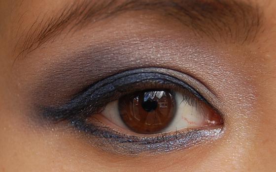 Look_eyeliner_creme_smashbox Marine blauwe Creme Eyeliner van Smashbox