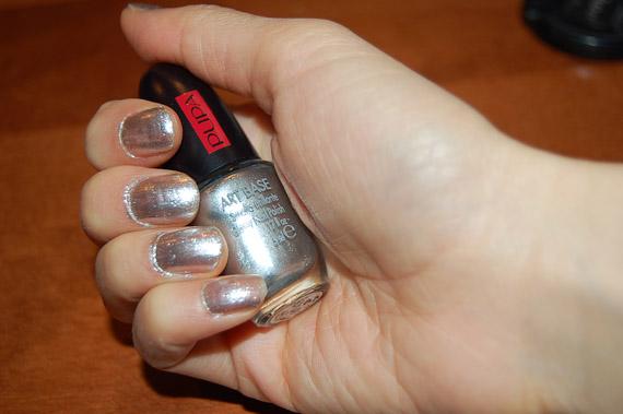 zilverende-nagellak-pupa-base-art-kit Manicure: Zilveren lak met marine blauwe craquelé