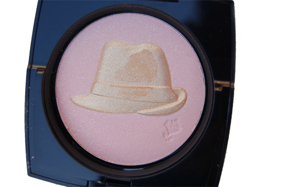 zoom-golden-hat-powder-kate-winslet Lancome 'Teint Miracle' en Golden Hat Iluminationg Smooth Powder