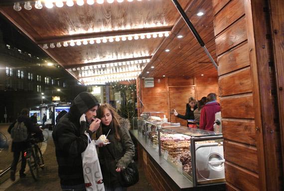 DSC0933 Kerstshoppen in Amsterdam + presentatie Aterna