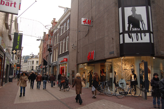 DSC_6263 Shoppen in Arnhem + Mac Counter Glitter and Ice