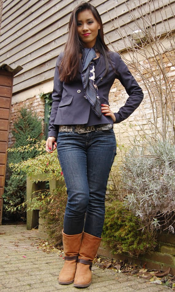 army-blue-jack-my-huong Outfit: Marine blauwe blazer + tommy boots