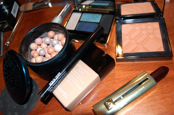 kerstlook-makeup-producten-burberry-guerlain-dior Kerstlook Movie+foto's: Guerlain Vol de Nuit