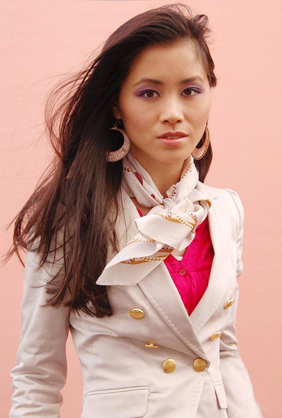 myhuongblazer_look-the-beauty-musthaves Fashion: Witte blazer met gouden knoopjes