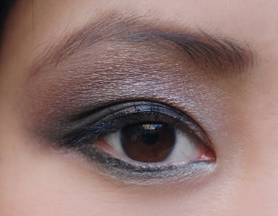 eyelook-urban-decay-books-of-shadow-my-huong Face of the day: Glamourous with Urban Decay books of shadow IV
