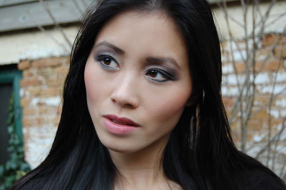 my-huong-face-of-the-day Face of the day: Glamourous with Urban Decay books of shadow IV