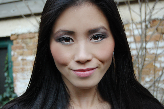 my-huong-smile-the-beauty-musthaves Face of the day: Glamourous with Urban Decay books of shadow IV