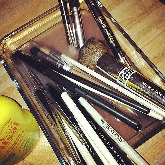 make-up-kwasten-brushes-schoonmaken-met-baby-shampoo Diary: The Beauty Musthaves