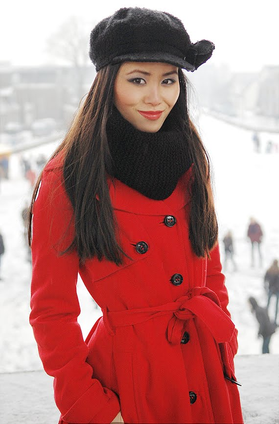 valentijnslook-lady-in-red-My-Huong-winter-sneek Valentijnslook