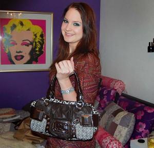whats-in-my-bag-marieke-dijkstra-guess-tas1-300x288 What's in Marieke's bag?