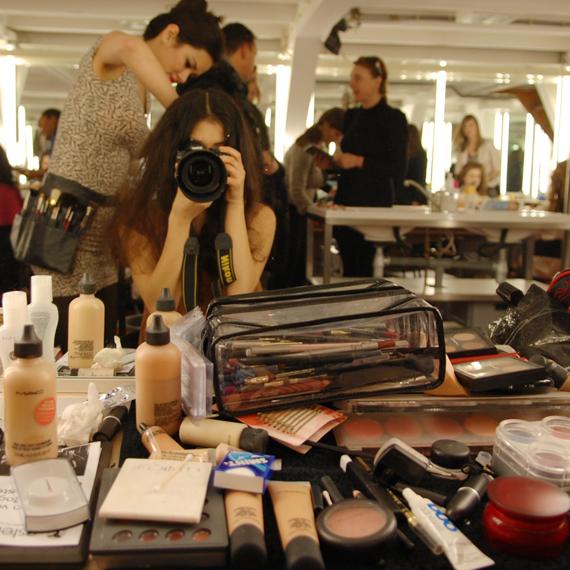 Backstage-makeup-mieke-petiet Backstage foto's: Naturel make-up