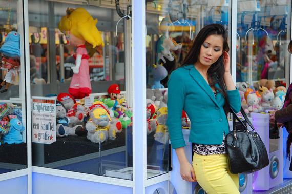 Kermis-gele-broek-my-huong-blauw-jasje Look:  The Yellow pants!