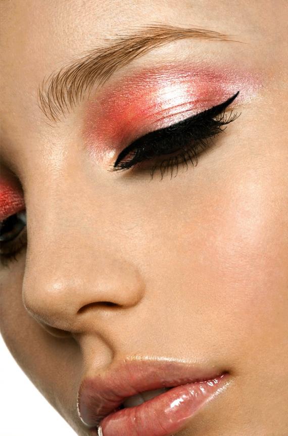 nude-make-up-zalm-roze-eyeliner Inspiration: Beautifull make-up looks