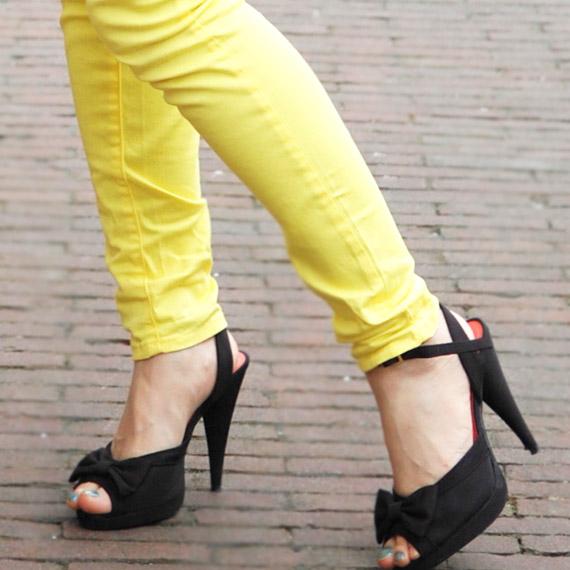 schoenen-pumps-look-of-today Look:  The Yellow pants!