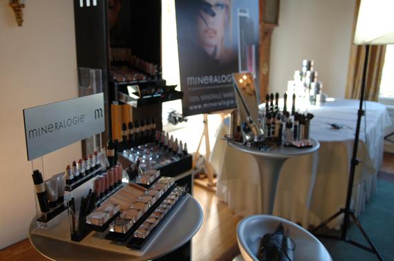 stellage-make-up-mineralogie EVENT: Hightea Masterclass Mineralogie