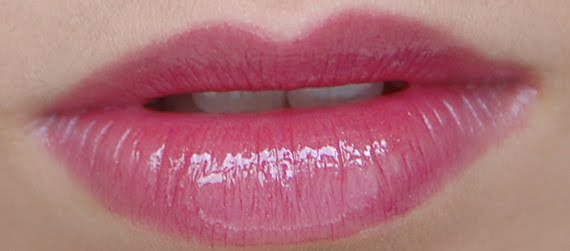 gloss-blackberry-prodige-clarins Clarins Make-up: Ombre Minerale Blue Sky, Gloss Prodige& Foundation Ever Matte