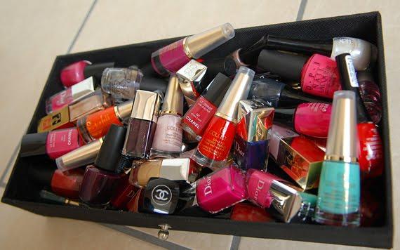 nagellak-stash-opi-chanel-dior-collistar-Koh-cosmetics Je stash organiseren in een make-up trolley
