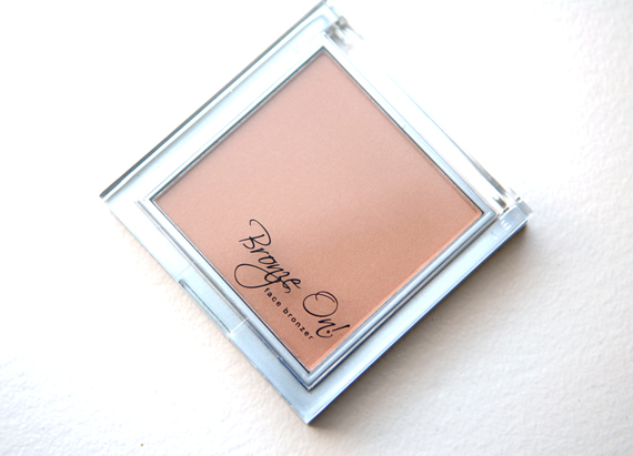 Bronze-On-Face-Australian-gold Australian Gold: Bronze On! Face Bronzing Powder Palette