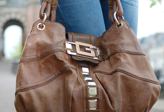 guess-bag-hobo-leather-brown Look of today: Casual chique