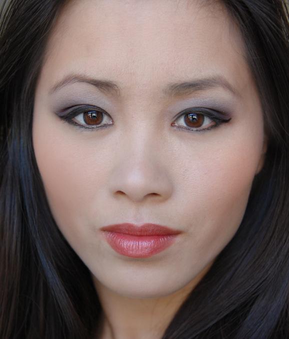 look-met-mineralogie-producten-oogschaduw-pencil-poeder-blush-lipstick Make-up van Mineralogie
