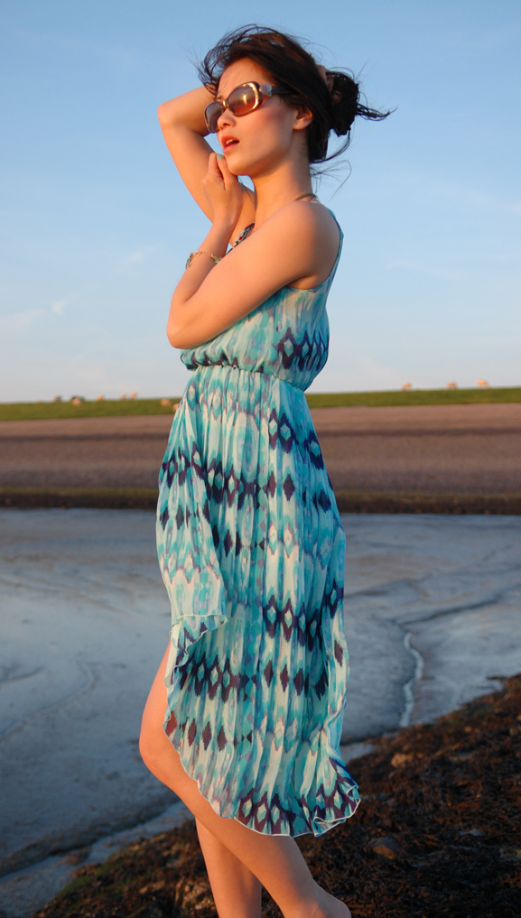 my-huong-beach-look-dress-blue-cocktail-jurk Look of today: The sunset