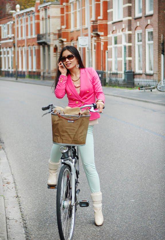 my-huong-fiets-gazelle-leeuwarden-outfit-look Look of today: Roze blazer vs. mintgroene skinny