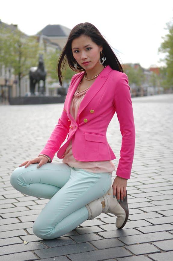 my-huong-look Trend: roze blazer, hoe combineren?