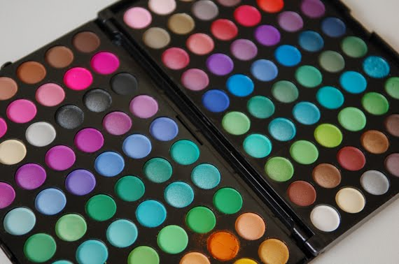 120-palette-manly-eyeshadow Musthave: 120 colours eyeshadow!