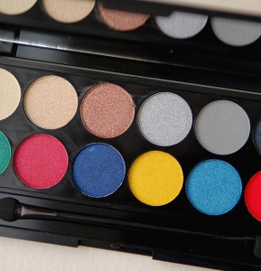 avater-idivine-glory-sleek-make-up-london-calling-289x300 Sleek Make-Up i-Divine Glory Palette