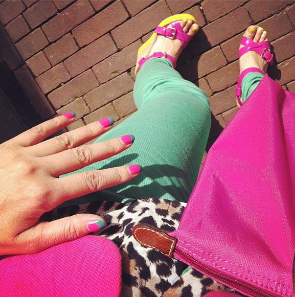 kleuren-combineren-met-print-panter-print-roze-colourblocking-fashion-trend-combi-outfit Felle kleuren combineren met print