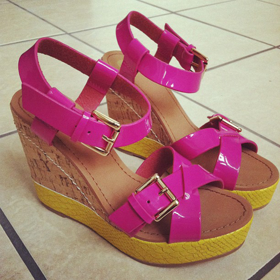 new-shoes-neon-pink The Beauty Musthaves Diary pic's