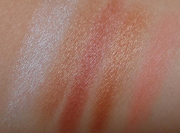 Oogschaduw-vera-valenti-swatches-pigmentatie-blush Vera Valenti Oogschaduw palette
