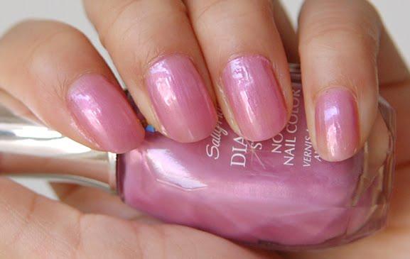 Sally-Hansen-Swatch-Lavender-Marquis-270 Sally Hansen - Diamond Strength