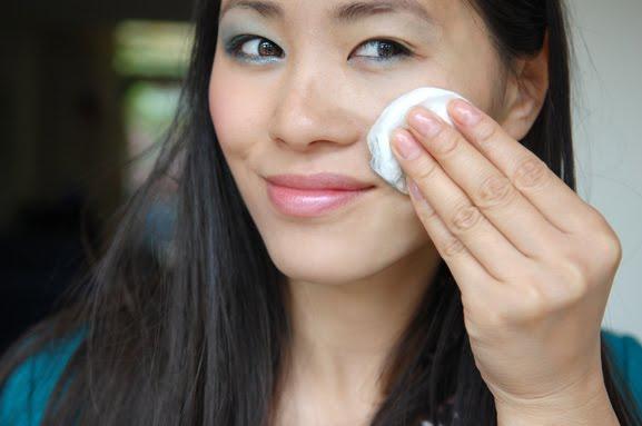 make-up-eraf-halen-sisley-make-up-remover-gentle-my-huong-beauty Sisley Eau Efficace alles-in-een make-up-reiniger