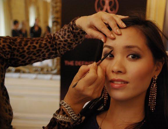 anastasia-brow-guru-beverly-hills-my-huong EVENT: Anastasia 'wenkbrauw guru' presenteert haar make-up collectie