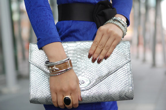my-huong-clutch-zilver-sieraden-outfit Outfit: The blue dress