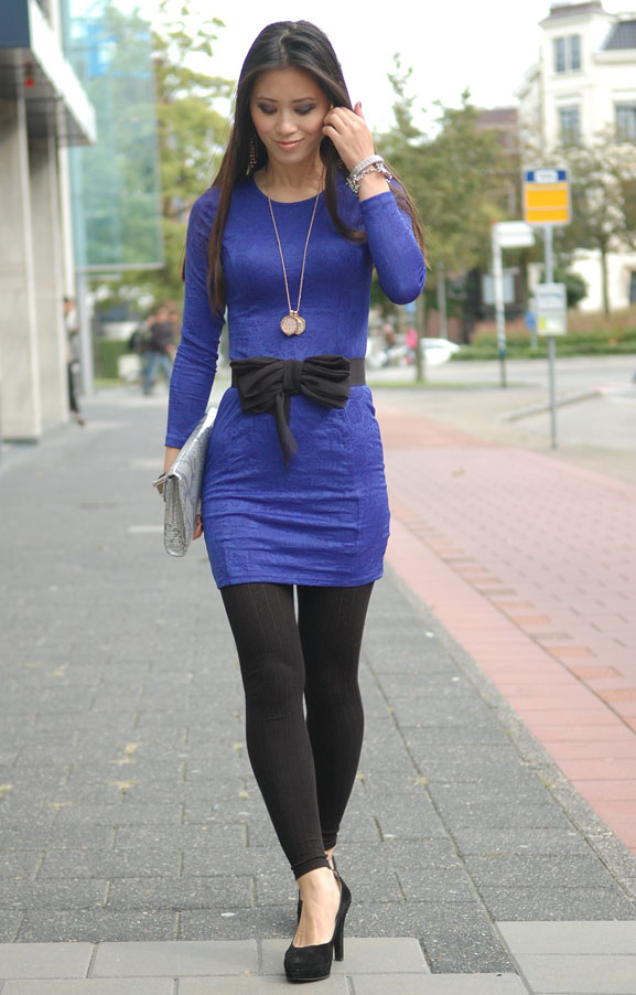 my-huong-look-outfit-fotos-barok-print-blauw-jurkje-fashion-pumps Outfit: The blue dress