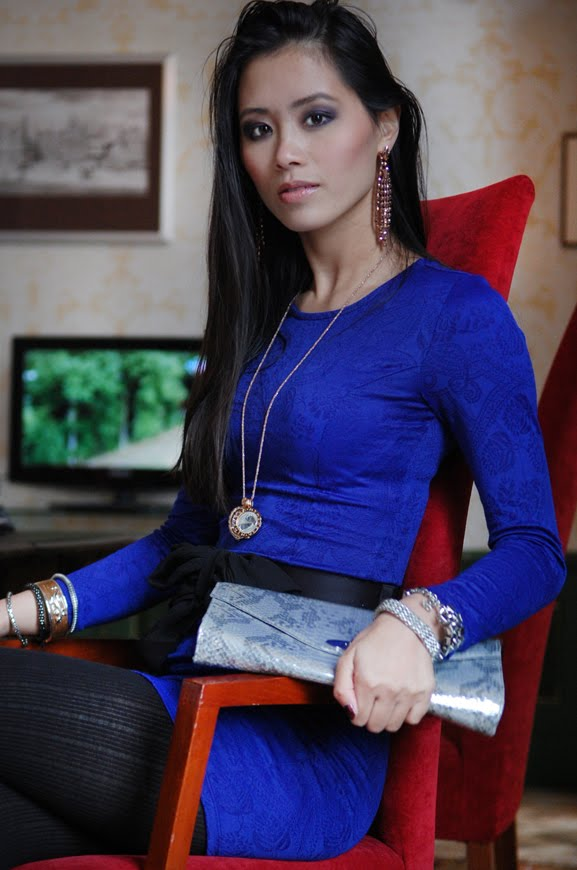 my-huong-look-stadhoudelijke-hof-leeuwarden Outfit: The blue dress