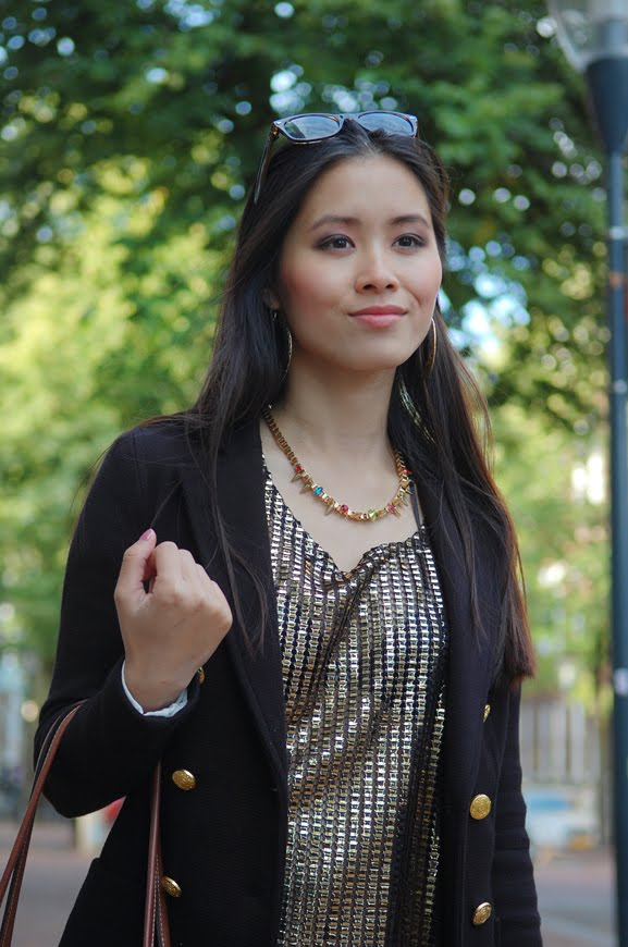 my-huong-outfit-leeuwarden-fashion-blogger-look-gouden-studs-top-ketting Outfit: Black vs. Gold