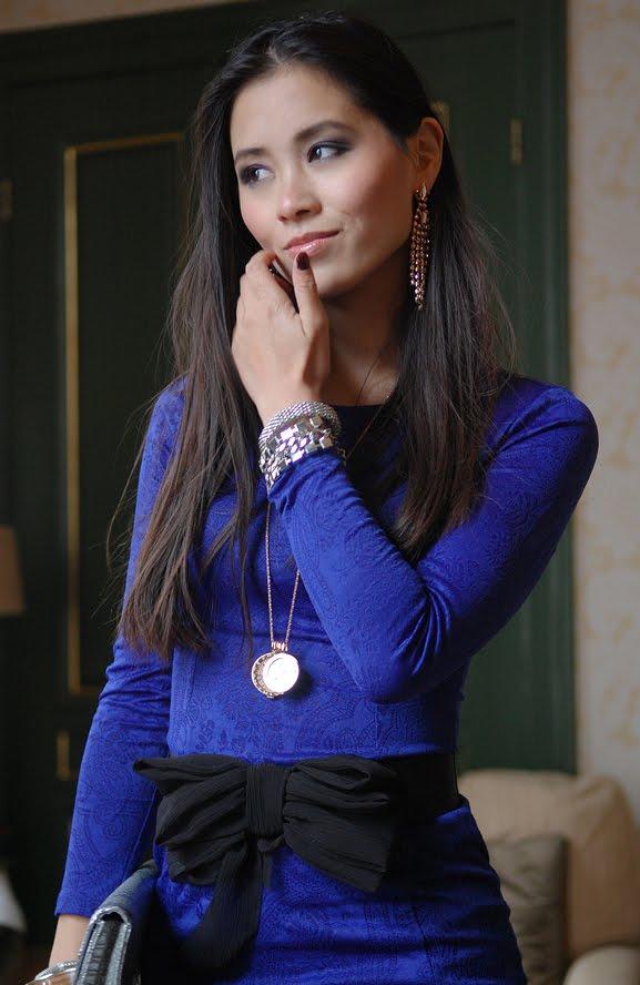my-huong-outfit-lookfotos-jurk-legging-combineren Outfit: The blue dress