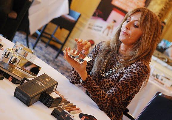 persevent-amstel-glossybox-2012-glossybox EVENT: Anastasia 'wenkbrauw guru' presenteert haar make-up collectie